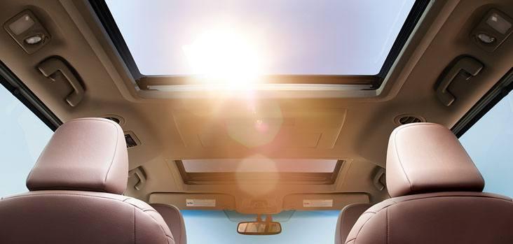 2017 Toyota Sienna  Sun Roof @ Milton Toyota in Toronto