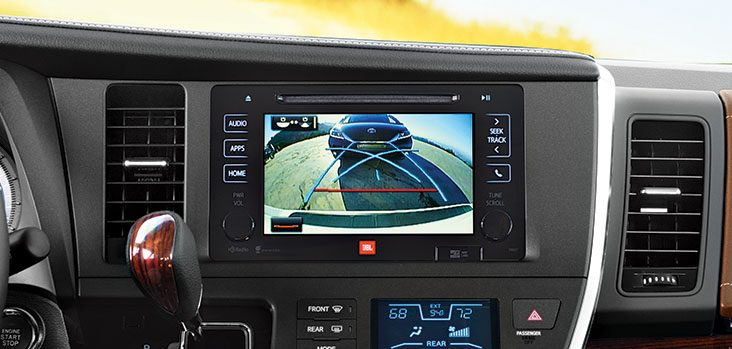 2017 Toyota Sienna Back-up camera @ Milton Toyota in Toronto