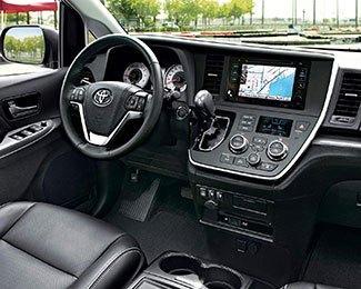 2017-Toyota-Sienna-int