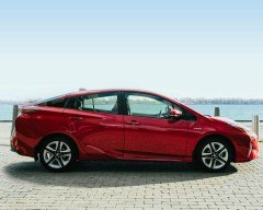 toyota-2017-prius-exterior-hypersonic-red-l