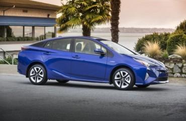 2016_Toyota_Prius_Touring-4_b41cc63e-31f6-4431-94d6-d920e60cfd81-prv1