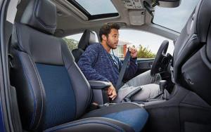Toyota-2018-corolla-se-interior