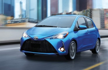toyota-2018-yaris-hatchback-exterior-blue-eclipse-metallic-l