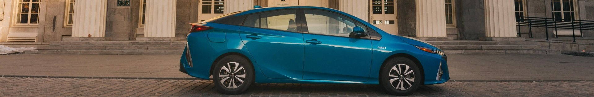 2018-Toyota-Prius-Prime-Plug-in-Electric-Hybrid-Toronto-Feature-2