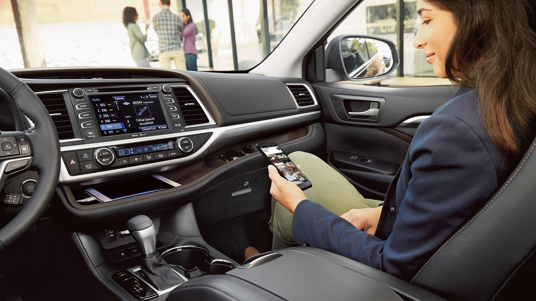 2018 Toyota Highlander Features @ Milton Toyota in Greater Toronto Area