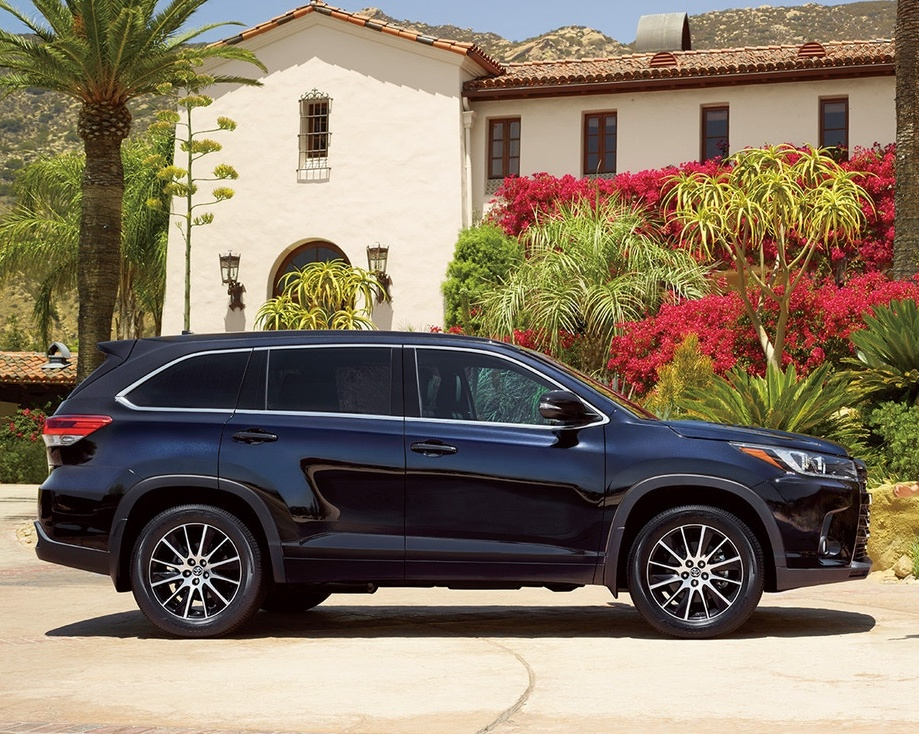 2018 Toyota Highlander Exterior @ Milton Toyota in Greater Toronto Area