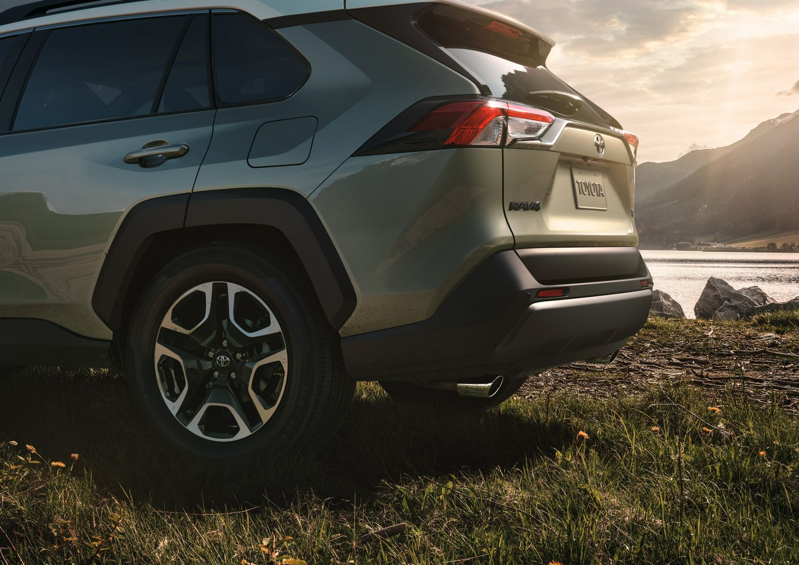 2019 Toyota RAV4 Wheels @ Milton Toyota in Greater Toronto Area